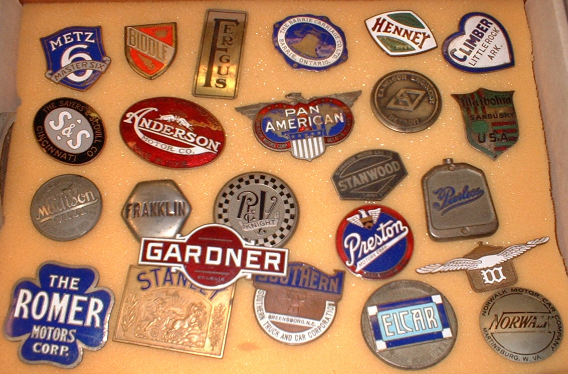 How to Identify Old Car Emblems | eHow UK